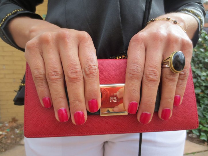 purificacion-garcia-purse-red-touch-blogger-fashion-stylist