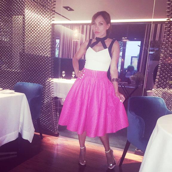 maje-skirt-seta-restaurante