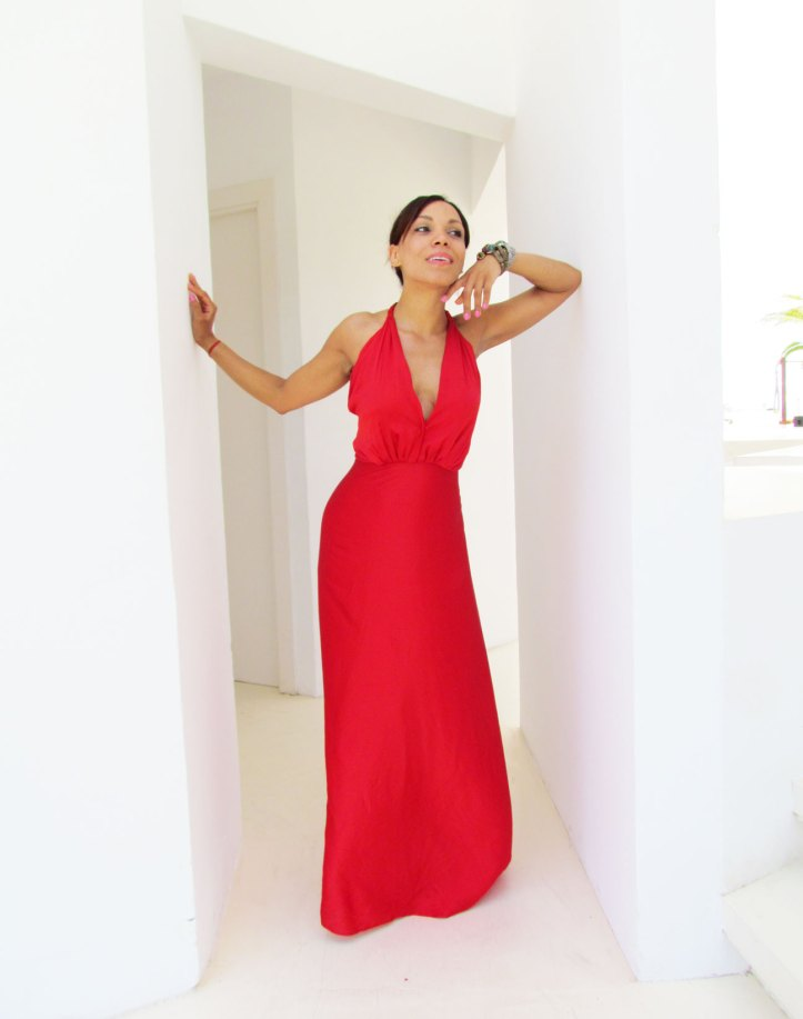 angienewlook-angie-reyn-vestido-rojo-vestido-rojo-alta-costura-haute-couture-dress-vestido-arquimedes-llorens-blog-moda-destino-ibiza-destino-pacha-ibiza-resort-modelo-latina
