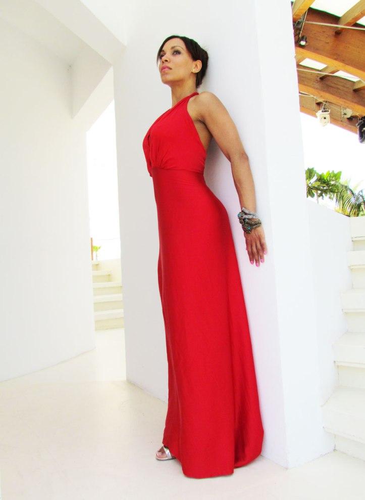angienewlook-angie-reyn-vestido-rojo-vestido-rojo-alta-costura-haute-couture-dress-vestido-arquimedes-llorens-blog-moda-destino-ibiza-destino-pacha-ibiza-resort-vestido-escote-v