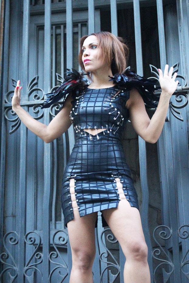 custom-made-dress-yako-sr-amor-dress-banana-street-concept-red-manicure-dominican-style