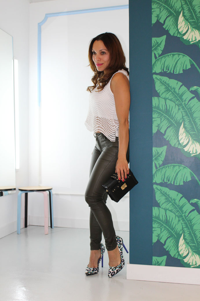 waxed-pant-casual-look-top-y-pantalon-pitillo-skinny-pant-angie-reyn-xmas-inspiration
