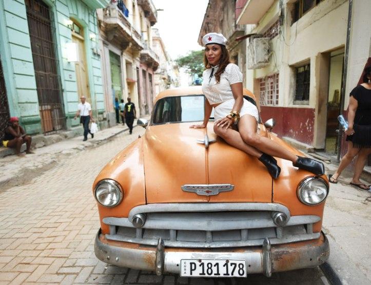 angienewlook-in-cuba-angie-reyn-en-cuba-carro-antiguo-antique-cars