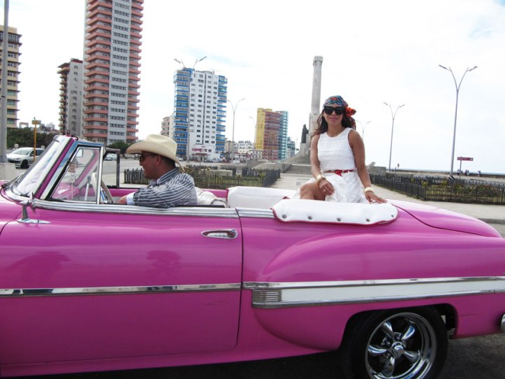 barbie-car-moschino-belt-angienewlook-angie-in-havana-la-habana-cuba