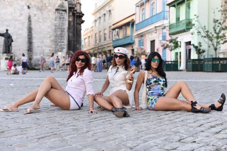 cd-cover-booties-botines-latinas-sexy-angie-reyn-cuba-habana