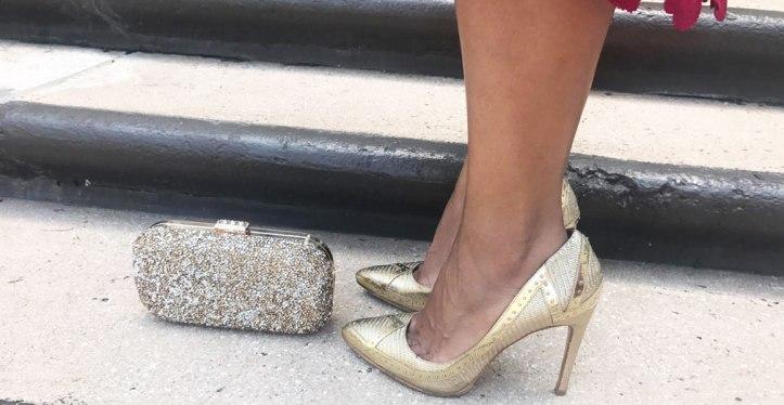gold clutch, clutch dorado, cartera de mano, zapatos cavalli, cavalli shoes