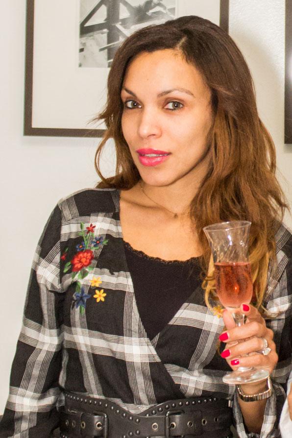 stradivarius-plaid-dress-long-dress-black-and-white-dress-spa-day-indulge-astoria-queens-new-york-angienewlook-champagne