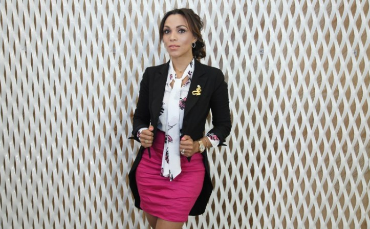 vince camuto blouse, google headoffice ny, denny rose blazer, louboutin shoes, fashion stylist