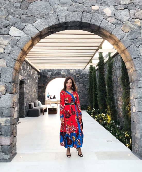 canaves-oia-epitome-santorini-luxry-hotels-in-santorini-angie-in-flowers-long-flowers-dress