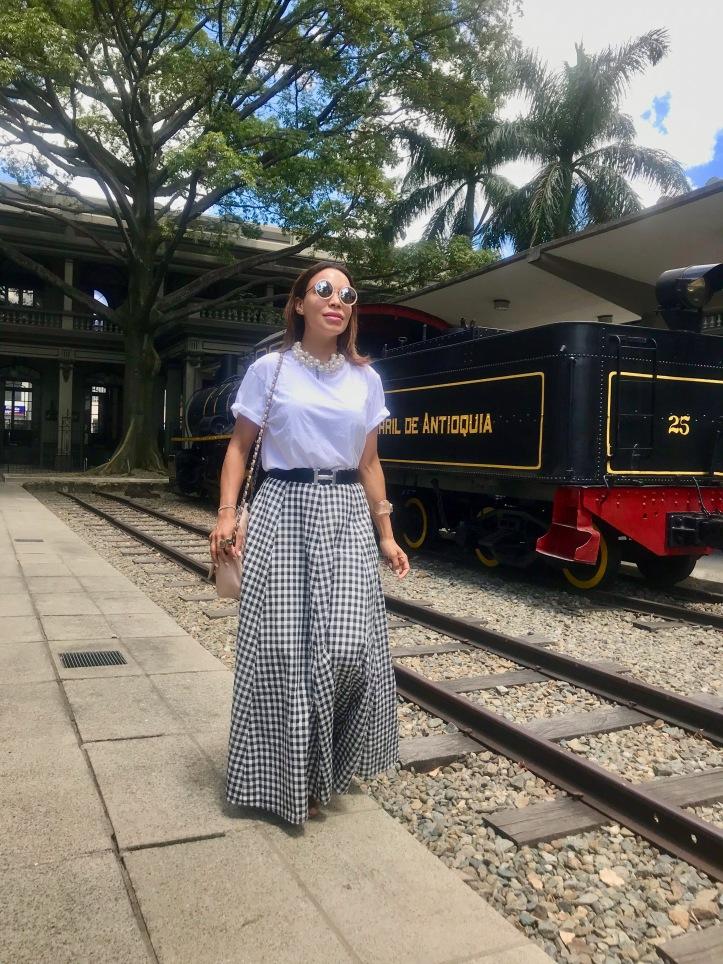 Medellin-ferrocarril-parque de las luces