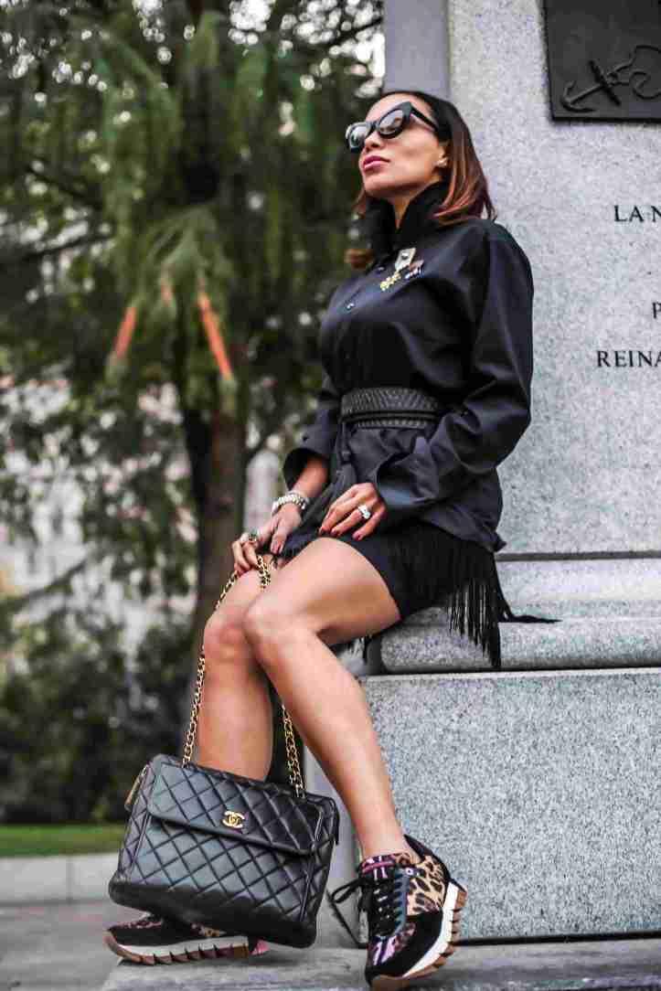 moda de otono-angienewlook-falda de flecos-mono color